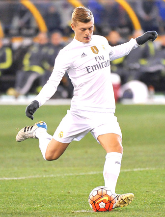 a5417b356d7 Toni Kroos wears Adidas 11pro football boots - What football boots does the  Real Madrid team