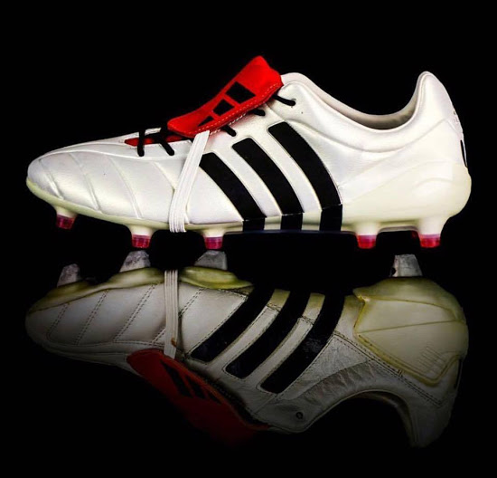 7d9574ac094 Adidas Predator Mania Champagne football boots review